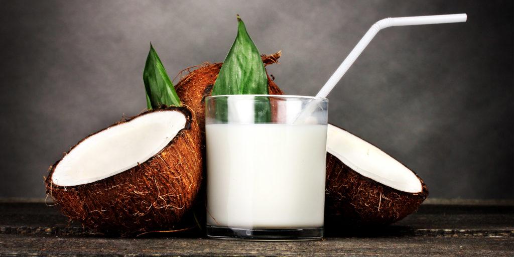 Кокосовое молоко из кокоса